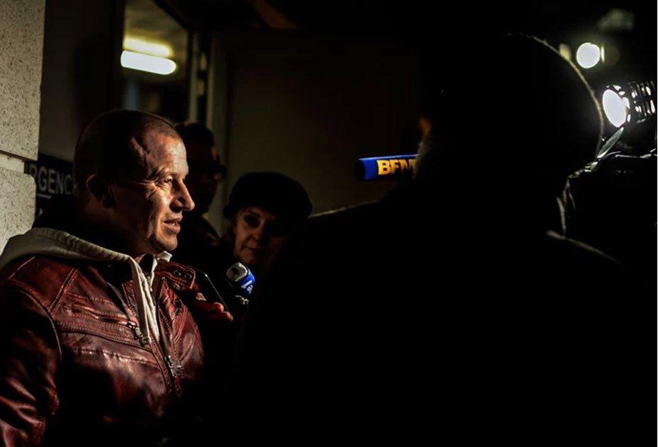 Olivier Panis foi até o hospital para saber de Michael  Schumacher (Foto: AFP)