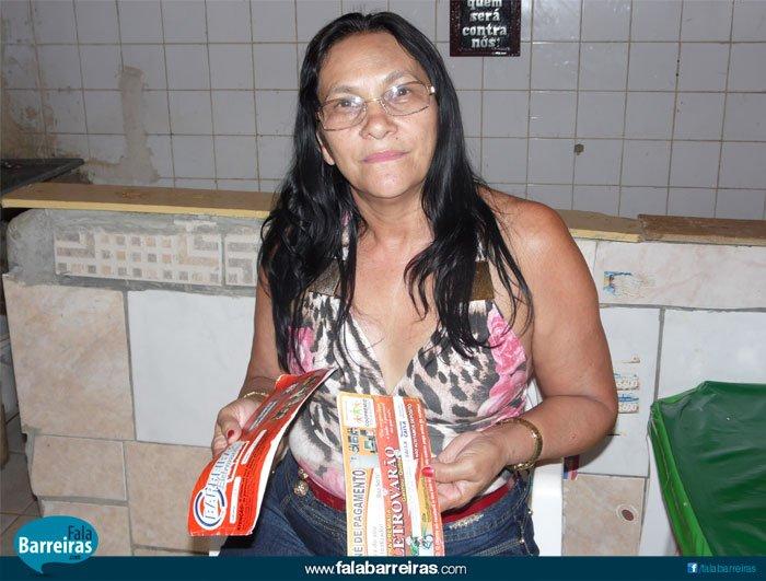 Dona Jerolina Fonseca, foi contemplada, mas também lesada (Foto: SIlvania Costa)