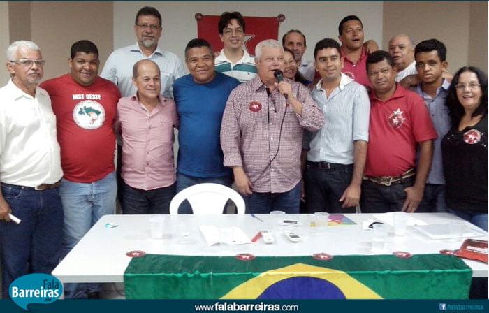 Políticas de três territórios em Barreiras com Valmir Assunção, Everaldo Anunciação e o presidente do PT de Barreiras Siquara Santos - FOTO Divulgação