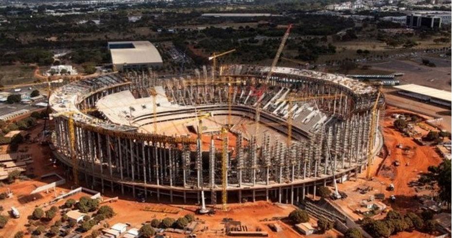 Com altos valores, alguns dos estádios da Copa foram construídos em Estados que não têm clubes com grandes torcidas e ficam para trás quando o assunto é tradição no futebol   Foto: Divulgação.