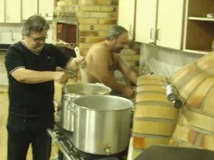 David Redmerski começou a produzir cerveja artesanal há um ano   Foto: Arquivo pessoal
