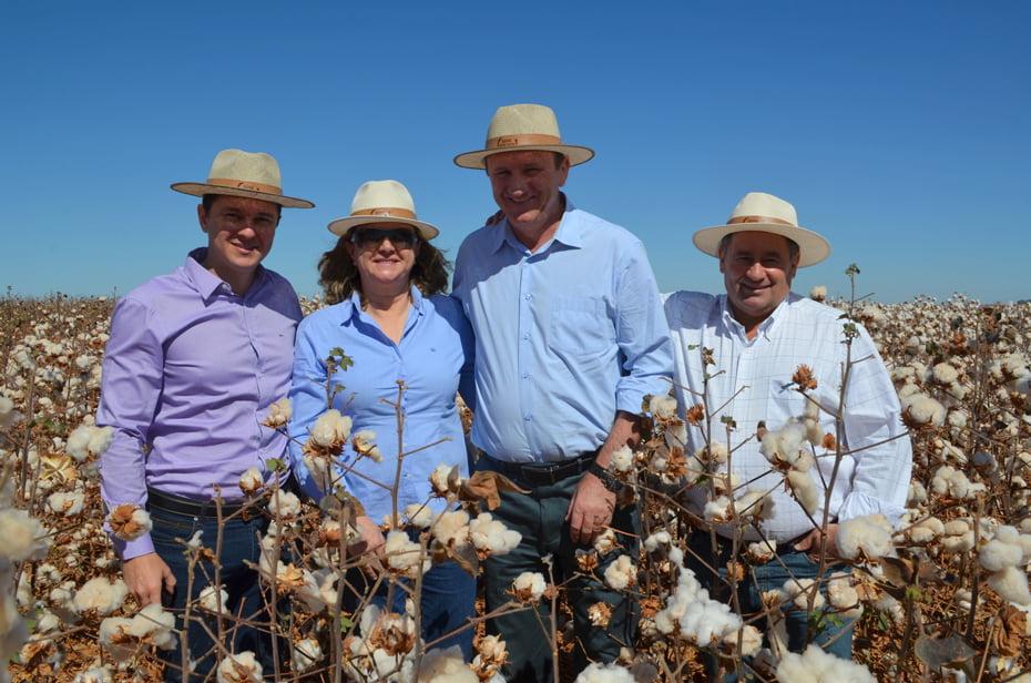 Representantes de entidades visitam Fazenda Warpol com ministro da Agricultura
