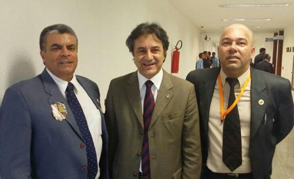 Deputado Oziel Oliveira e representantes do Sindipol-BA