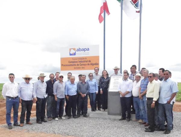 A cerimônia contou com a presença de produtores e autoridades políticas da região | Foto: Osmar Ribeiro