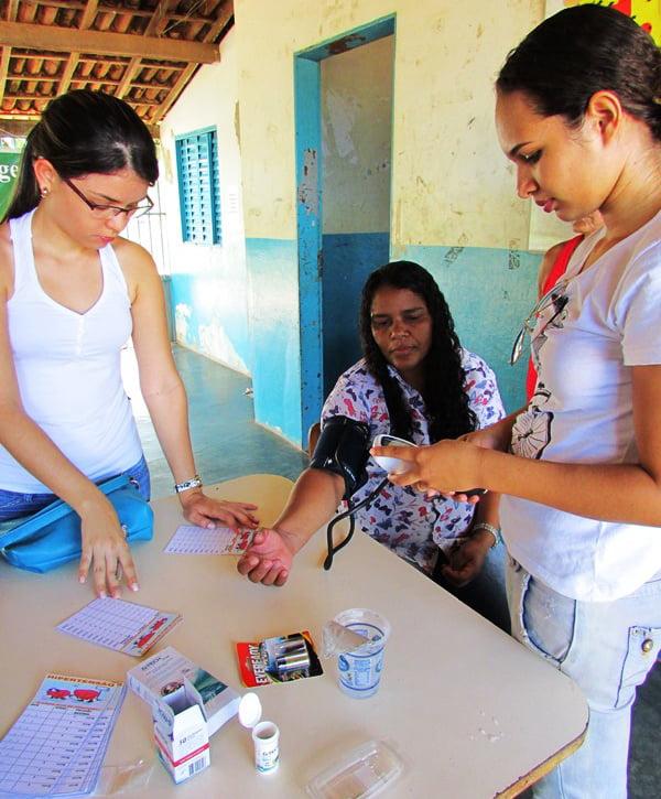 Estágio de acadêmicos de Enfermagem da Fasb na ILha da Liberdade | Foto: Araticum