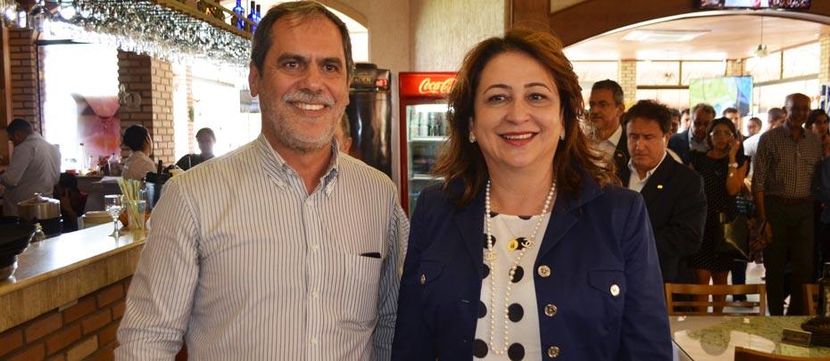 O presidente da Abrapa, João Carlos Jacobsen Rodrigues, com a ministra Kátia Abreu, no lançamento do  plano, na Bahia | Foto: Virgília Vieira