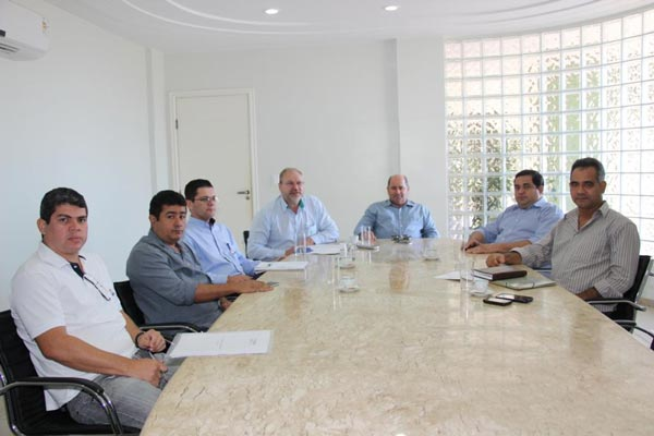 Presidentes da Aiba e Ababa em reunião com o executivo de São Desidério | Foto: Virgília Vieira