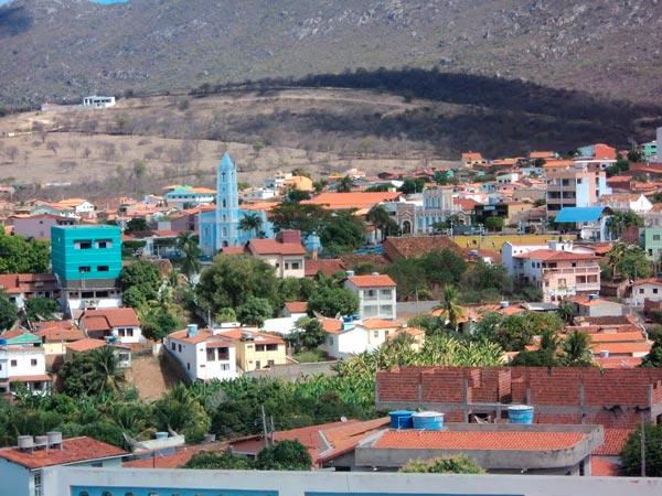 Prefeitura de Macaúbas abre concurso com salários até 7 mil   Foto: Reprodução http://static.panoramio.com/
