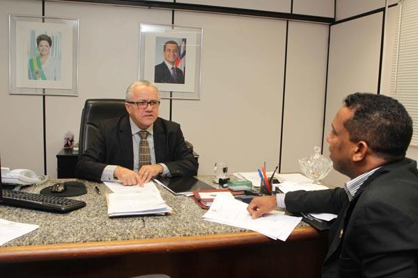 Vereador de Ibotirama, Vereador de Ibotirama com Josias, com o secretário estadual de Relações Institucionais, Josias Gomes   Foto: Secom Serim