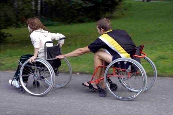 Há a esperança de paraplégicos voltarem a andar sem cirurgia | Foto: Reprodução http://4.bp.blogspot.com/