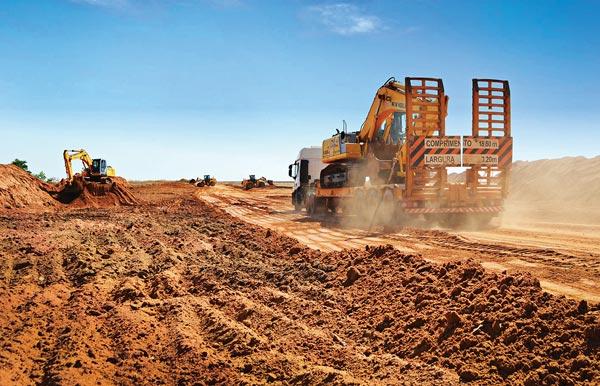 Patrulha Mecanizada da Abapa já recuperou cerca de 500 Km de estradas vicinais da região | Foto: Virgília Vieira