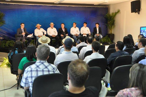 Forum-apresenta-os-avancos-e-as-dificuldades-para-o-desenvolvimento-do-Matopiba-01