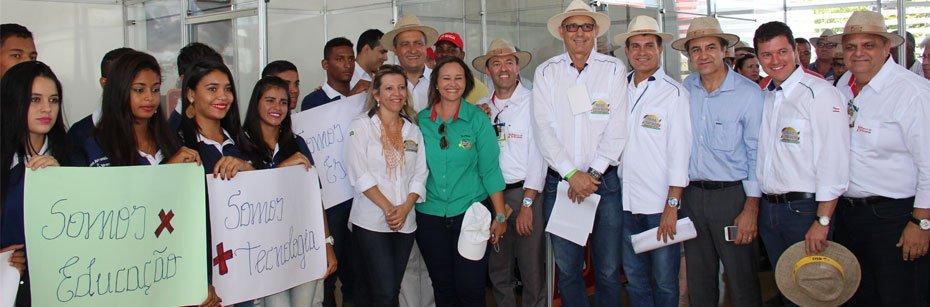 Governador-Rui-Costa-conhece-o-trabalho-social-dos-produtores-do-Oeste-da-Bahia-01