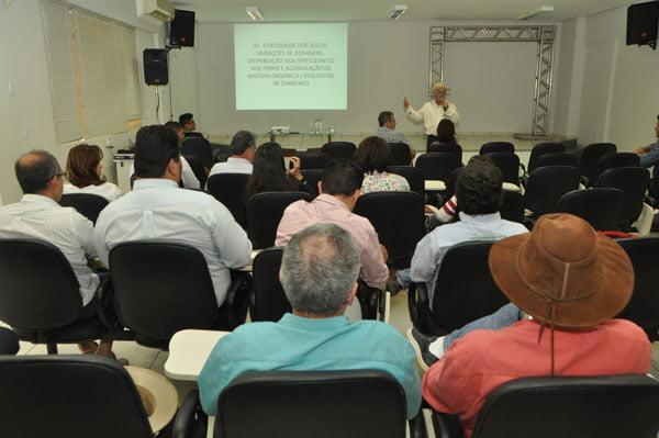 Workshop-da-Bahia-Farm-Show-destaca-a-importancia-da-precisao-na-irrigacao-agricola-01