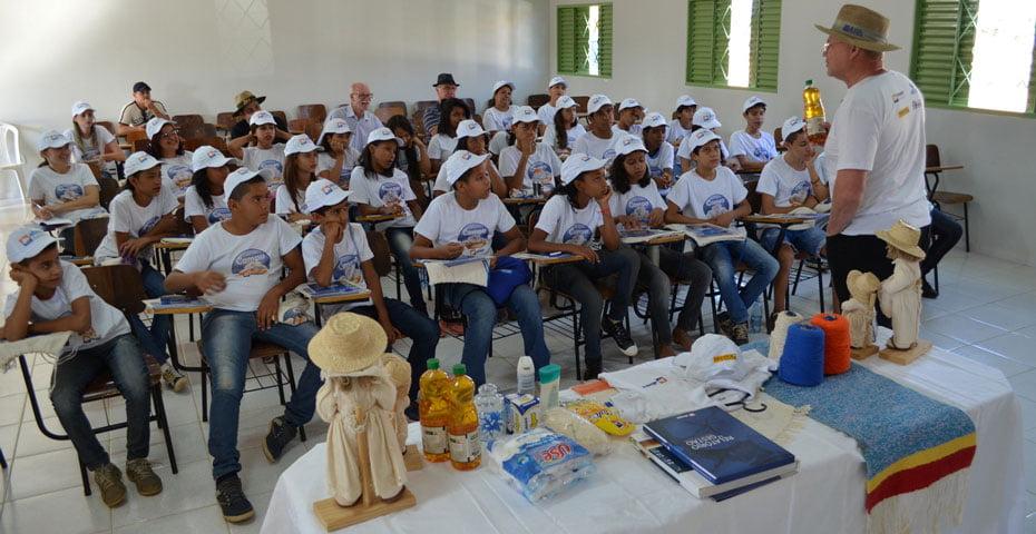 O presidente da Abapa, fala sobre o processo de produção do algodão, do campo até às casas   Foto: Virgília Vieira/Ascom Apaba