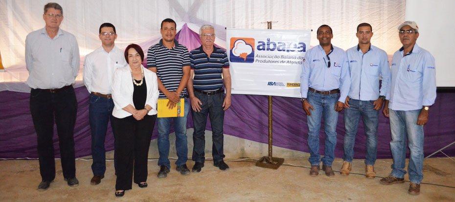 Representantes das entidades: Abapa, Solidariedad, Instituo C&A e Prefeitura de Malhada | Foto: Virgília Vieira | Ascom Abapa