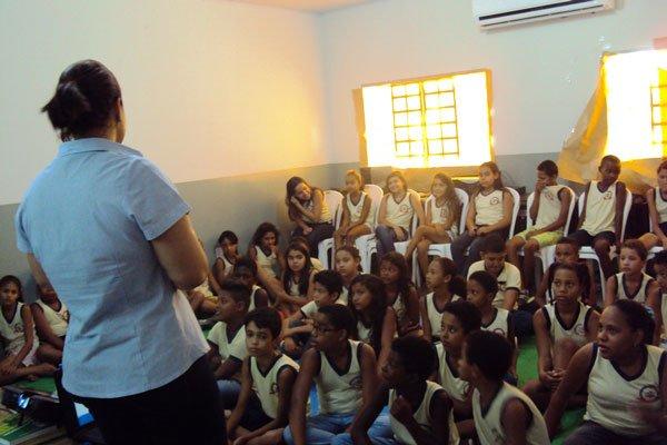 Palestra no Centro Educacional Tarcilo Vieira de Melo | Foto: Ascom Embasa