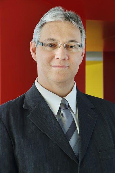 Professor Marcus Garcia é pedagogo e especialista em inteligência motivacional e gestão de pessoas, e atua como professor do Instituto Superior de Administração e Economia (ISAE), de Curitiba (PR) | Foto: Reprodução