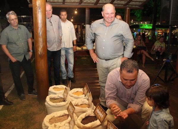 Governador da Bahia, Rui Costa, visita o estande | Foto: Virgília Vieira/Ascom Abapa