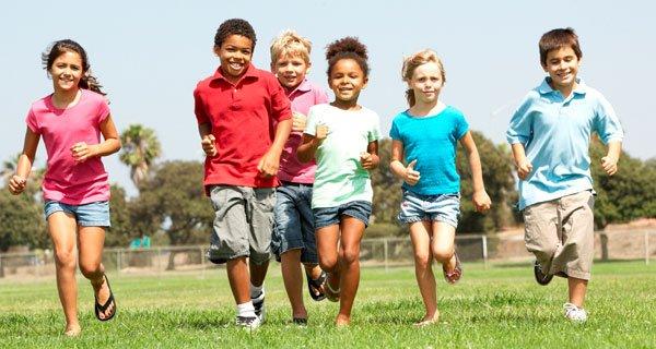 Cuidar de crianças hiperativas é uma tarefa árdua   Foto: Reprodução www.escolaengenho.com.br