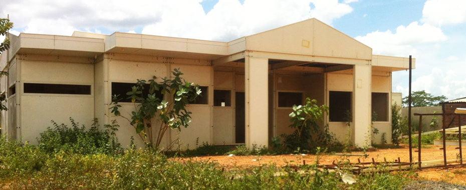 A construção da Creche Escolar teve inicio em 2014   Foto: Virgília Vieira