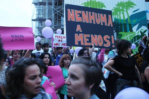 Dia-da-Mulher-Futura-estreia-documentario-sobre-o-crescimento-dos-movimentos-feministas-atraves-das-redes-sociais-01
