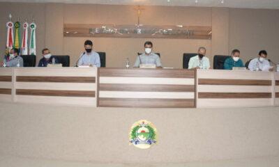 Legislativo e executivo se reúnem para discutir sobre o uso de espaços públicos em Barreiras