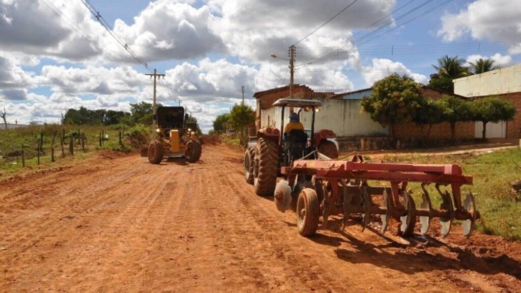 Comunidade do Tatu e vários bairros de Barreiras recebem obras de pavimentação asfáltica