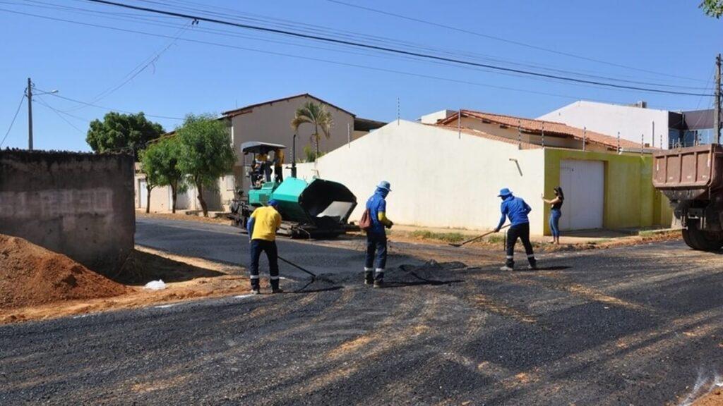 Obras de ampliação da pavimentação asfáltica do Loteamento Rio Grande devem ser concluídas até o fim de julho